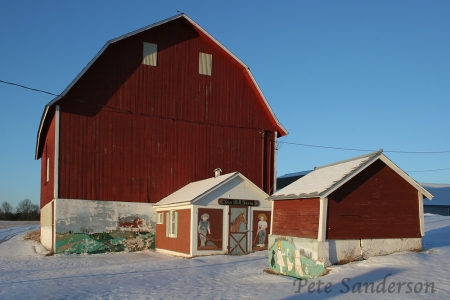 Wonderful Murals makes this not your typical Wisconsin barn. Nelsonvile, Wisconsin