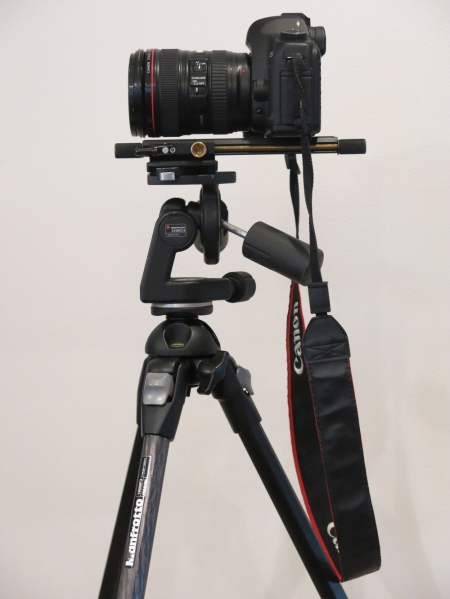 Mount the camera and panoramic head (in my case the focusing rail) on the tripod.